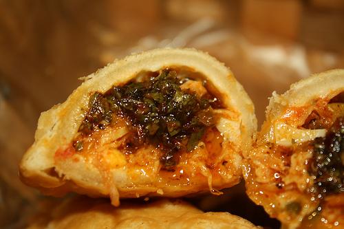 Empanada de Pollo con Chimichurri