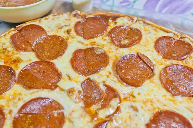 Pizza Salami - Tres Porciones