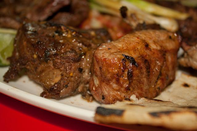 Plato de Bocas: Lomo de Cerdo y Cabro...