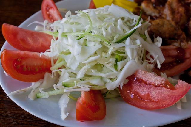 Ensalada de Repollo y Tomate
